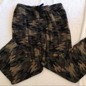 Croft & Barrow Camo fleece lounge pants
